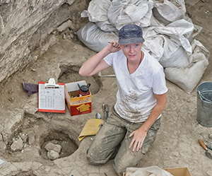 Marin Pilloud digging for remains