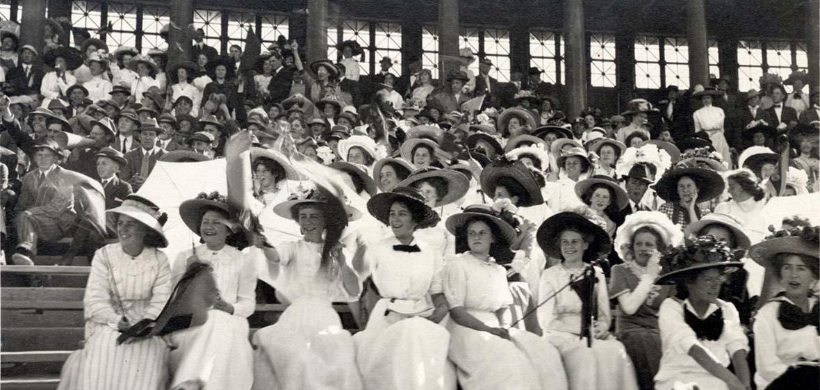 Genteel audience 1911