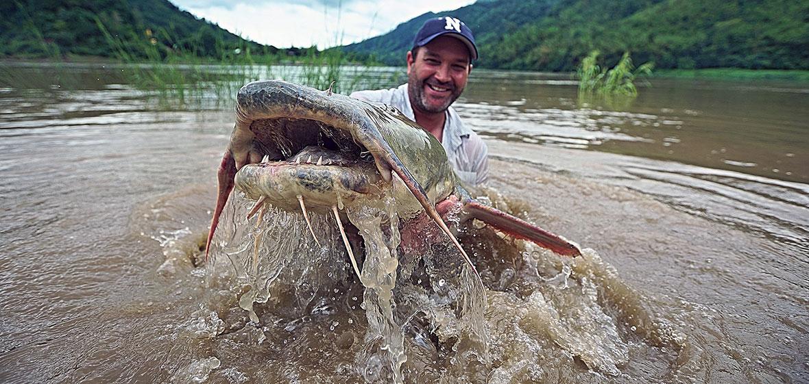 Zeb Hogan in Salween River