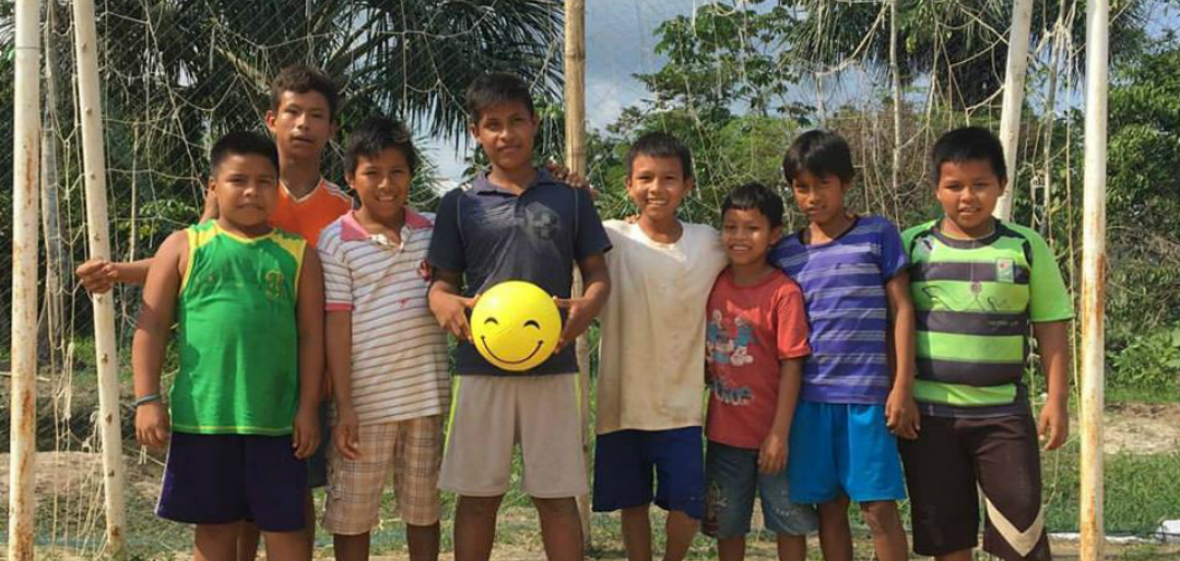 Children in Peru with their play happy ball