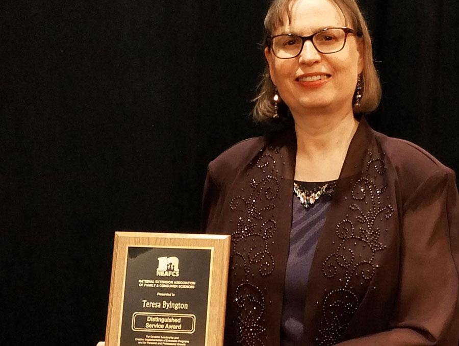 Teresa Byington with her award