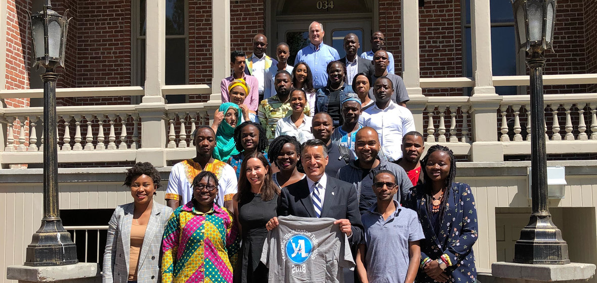 Former Nevada Governor Brian Sandoval poses with the 2018 Mandela Washington Fellows.