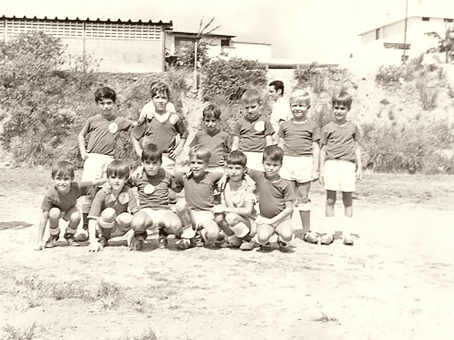 The kids' Deportivo Vasco in a picture from the Caracas Euzko Etxea.