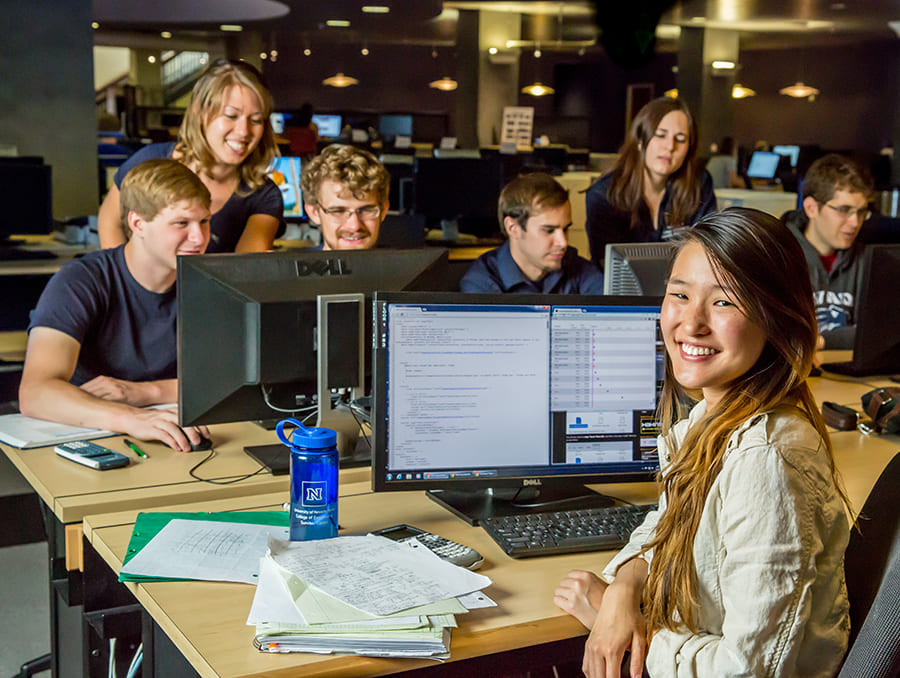 Students at computer in the Knowledge Center