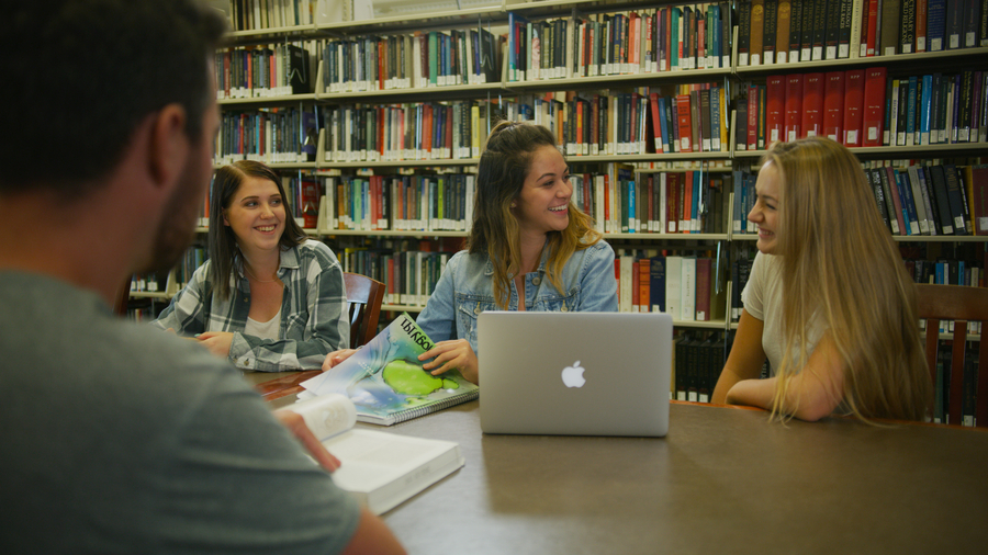 Students in the UNR library