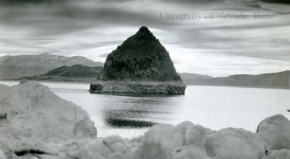 Black and white photograph of the tufa rock formation on Pyramid Lake