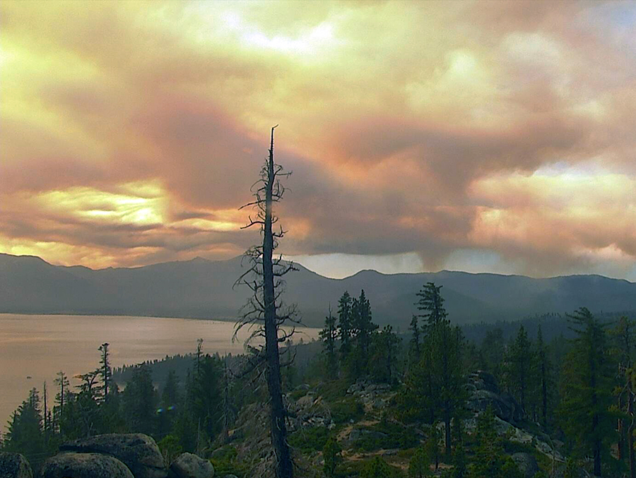 smoke over lake tahoe
